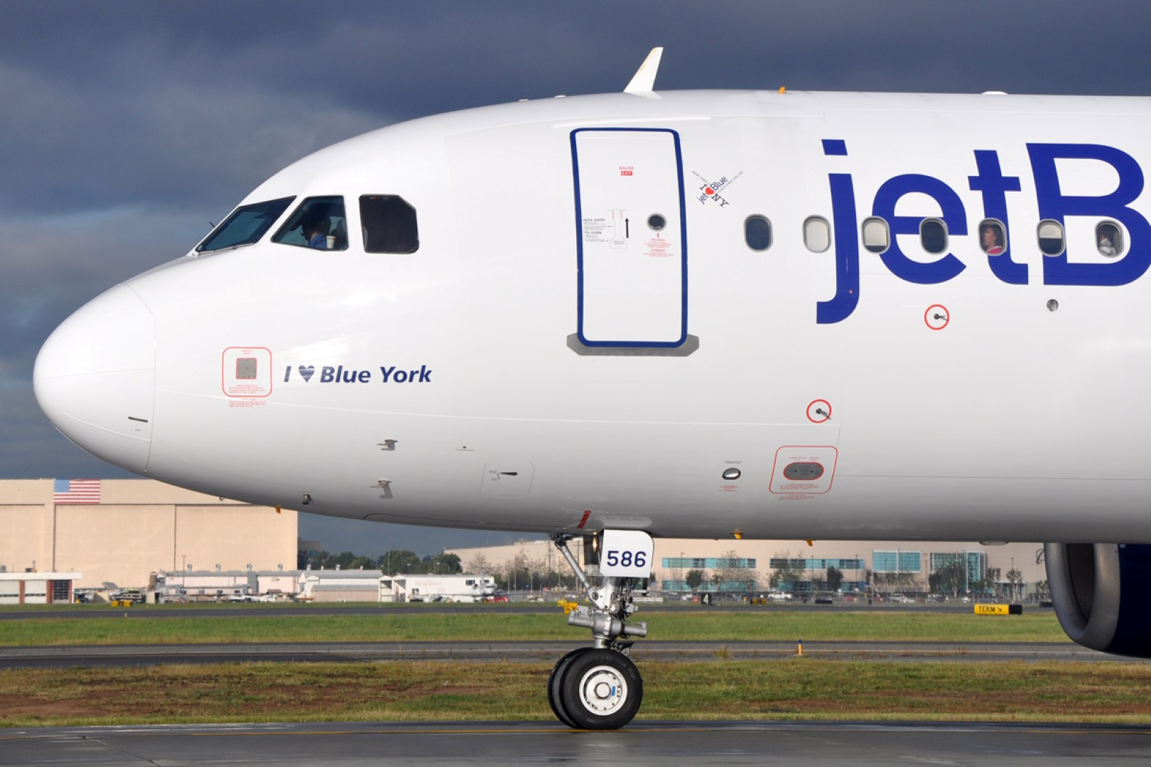 Jetblue will be forking over a $100 voucher to each passenger who was on the