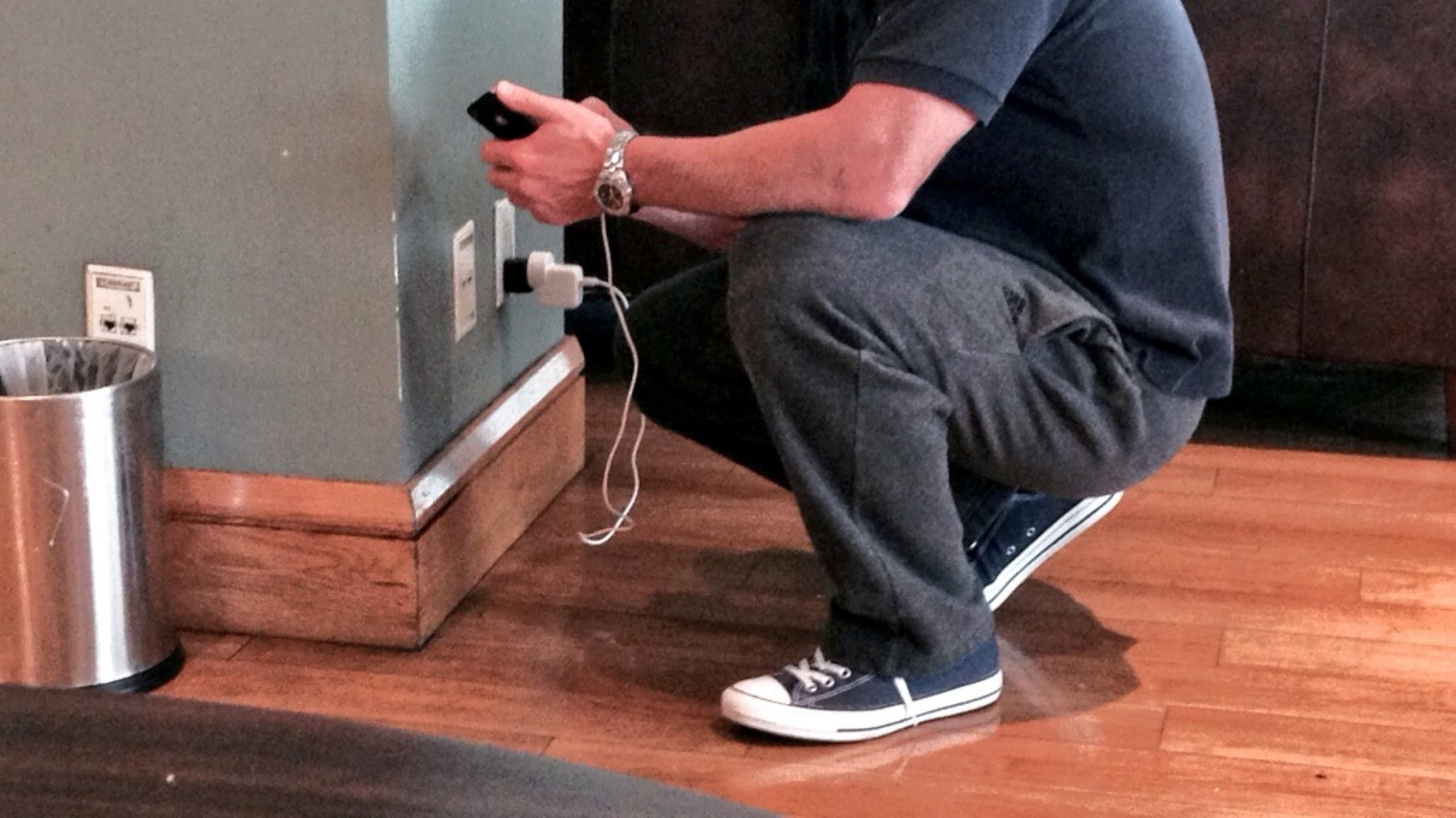 Nobody wants to have to crouch by the nearest power outlet. Image: John Walton